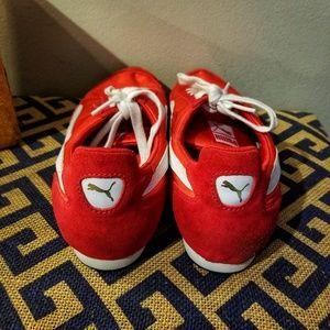 Puma Shoes - Vintage Women's Puma Kicks